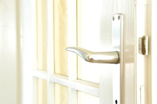 Advierten de estafas en bienes raíces