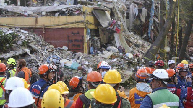 Sube a 320 la cifra de muertos por el terremoto del martes