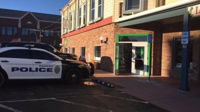 """Tres negocios más víctimas de """"smash-and-grabs"""" en Parker"""