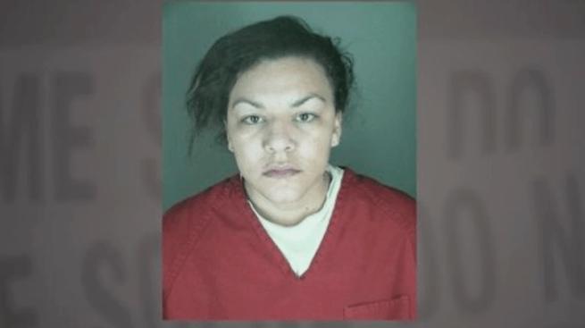 Sin cargos de asesinato mujer que extirpó bebé a embarazada